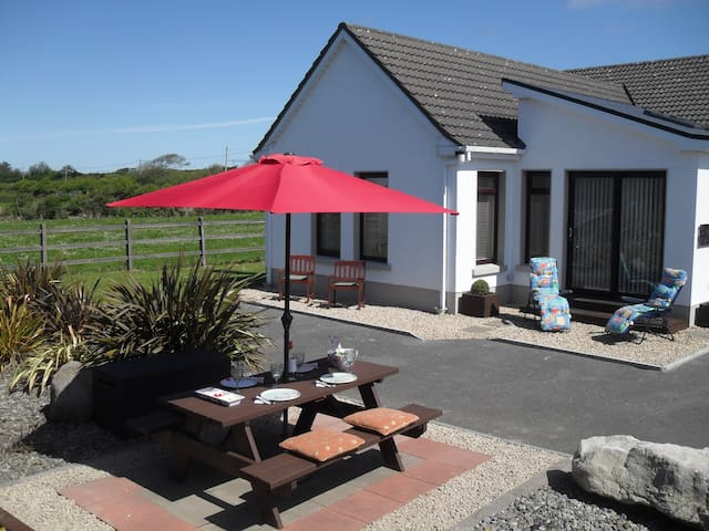 Self Catering Apt, Lissadell, Sligo - Ballinfull - Bungalov