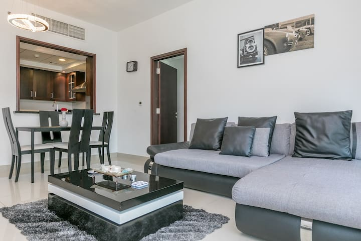 Summer Offer! 1 Bed on 29 Blvd Downtown