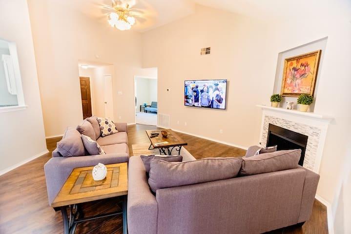 Discover Austin via Pflugerville 4BR 2BA, SFR