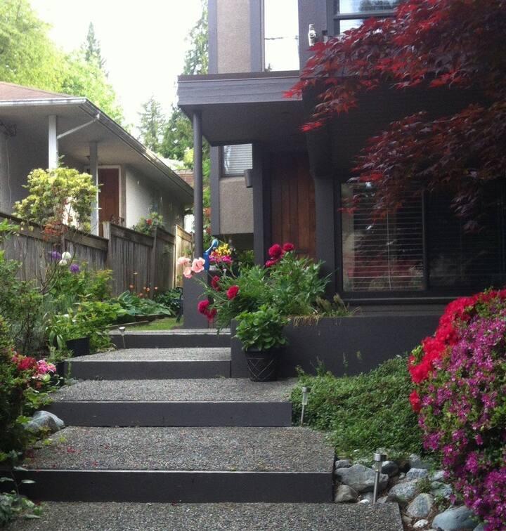 Spacious WestVan 2 Bdrm Garden Suite