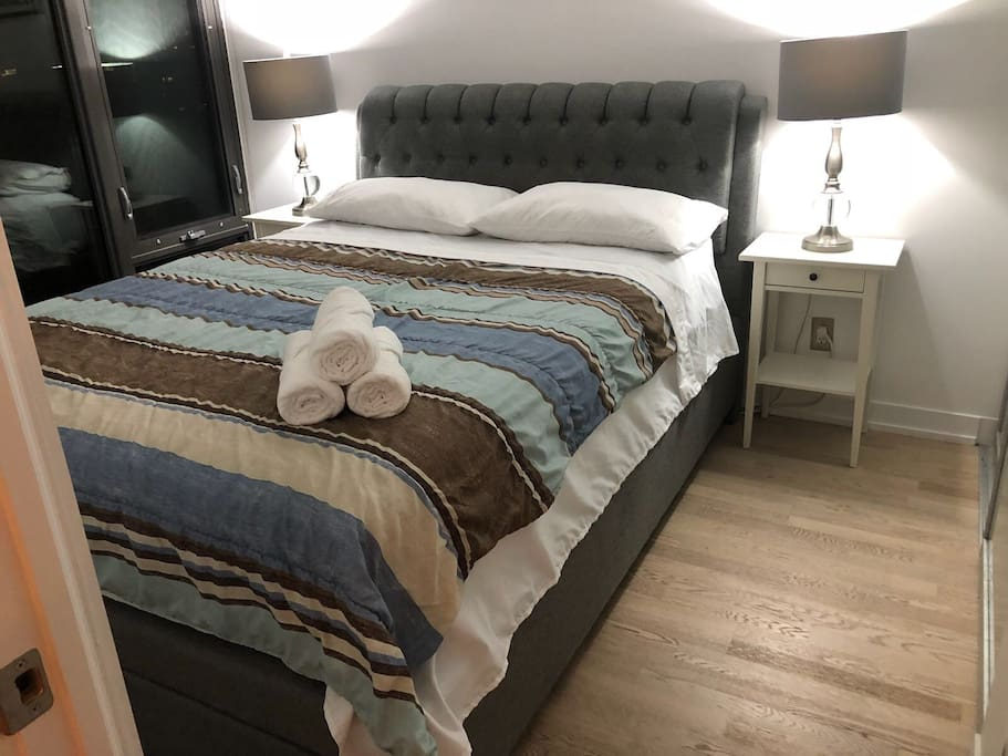 Spacious Private bedroom with large Queen-size bed for two