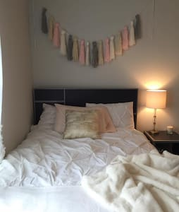 Cozy Apartment with private room & bath - Springfield - Lejlighed
