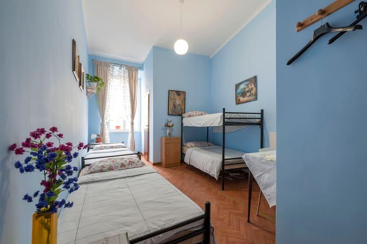 Luminous 4 beds dorm Rome center