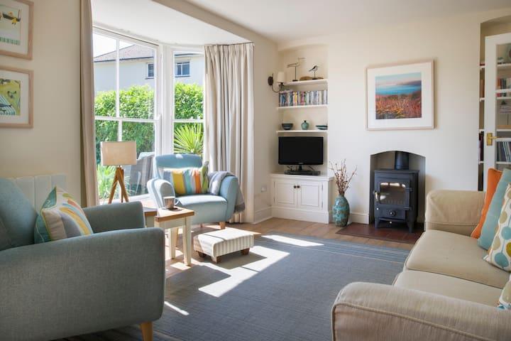 Acorn Cottage, Mylor, Cornwall sleeps 4