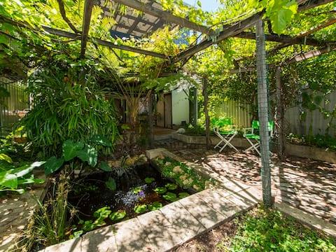 Sanctuary garden in Fremantle