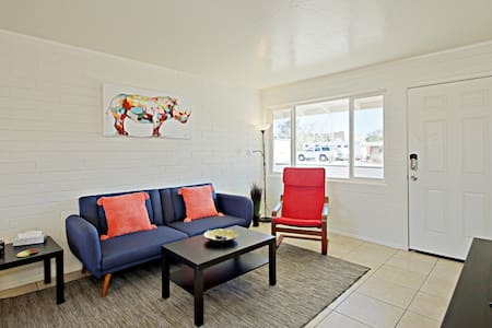 Live & Work in the Heart of Old Town Scottsdale