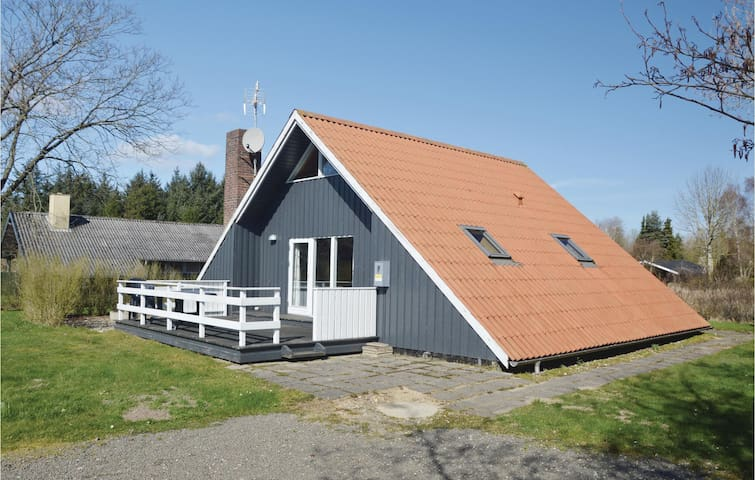 Holiday cottage with 3 bedrooms on 77m² in Hemmet