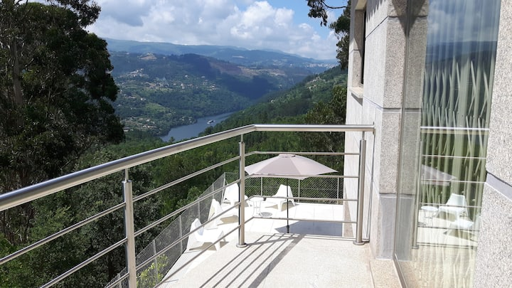 Casa Douro Terrace - River Views 60' from Porto