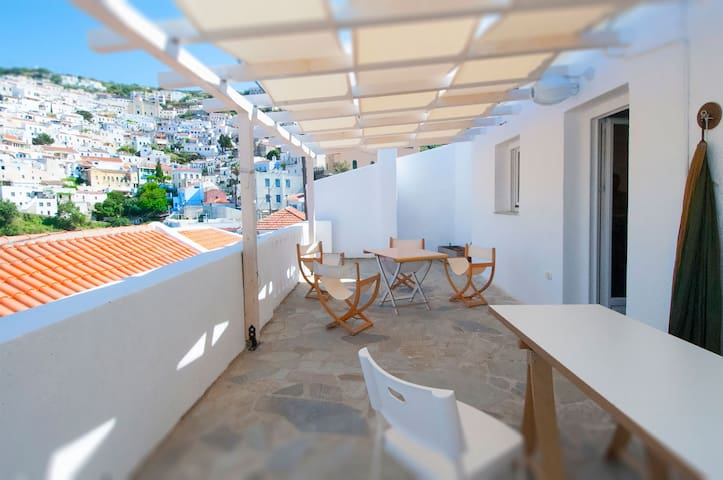 Wonderful apartment on historical Chora - Ioulis - Ioulis - Leilighet