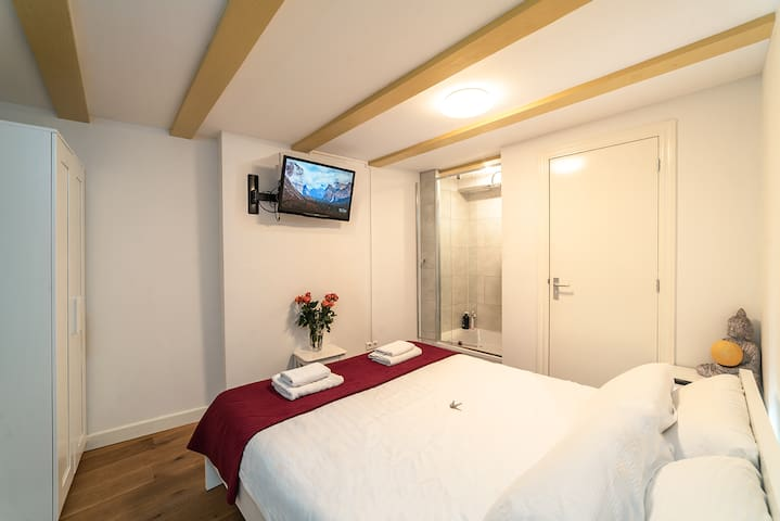 Private Lovely Room Amsterdam Central
