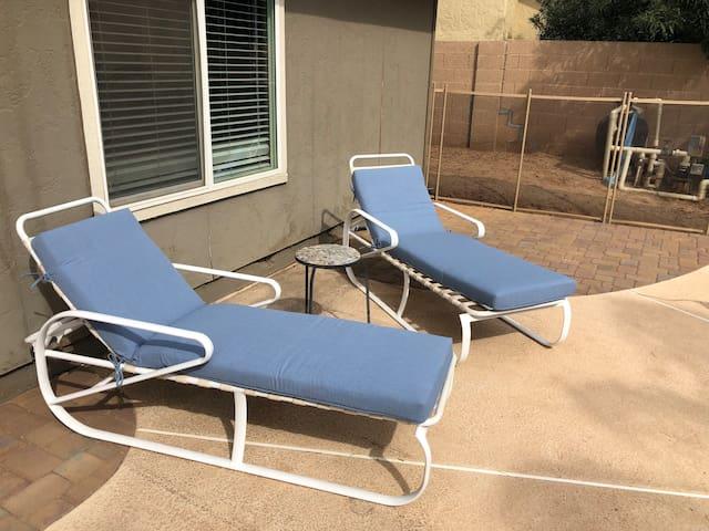 Central Scottsdale Getaway- HEATED POOL!