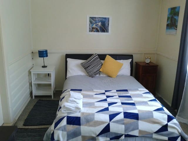 Private comfortable room close to all amenities