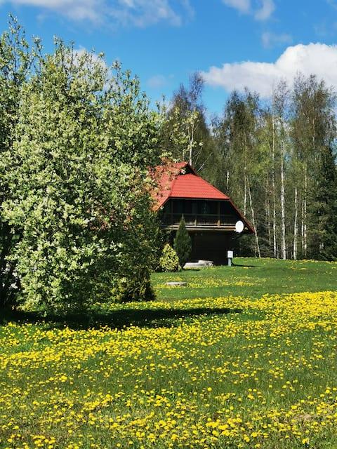"""Viesu nams """"Upkalns"""" netālu no Alauksta ezera"""