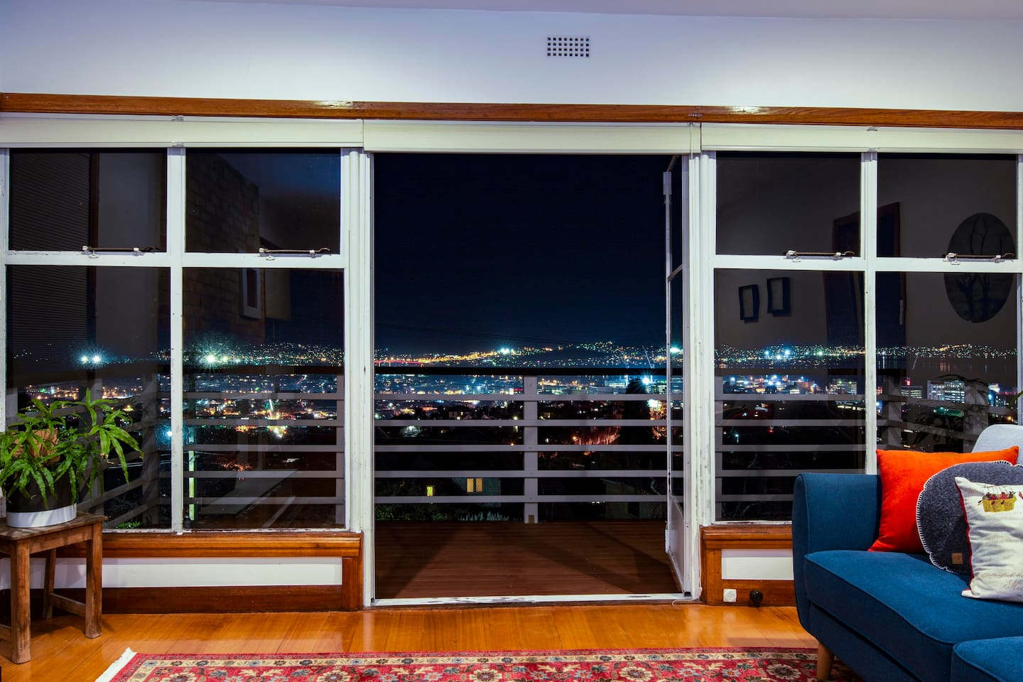 Stunning views over the city of Hobart from the living room - CBD and Derwent River