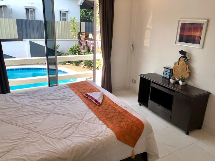 新優惠 Pool Villa la (私人泳池3間套房)@芭提雅市中心 優質貼心服務
