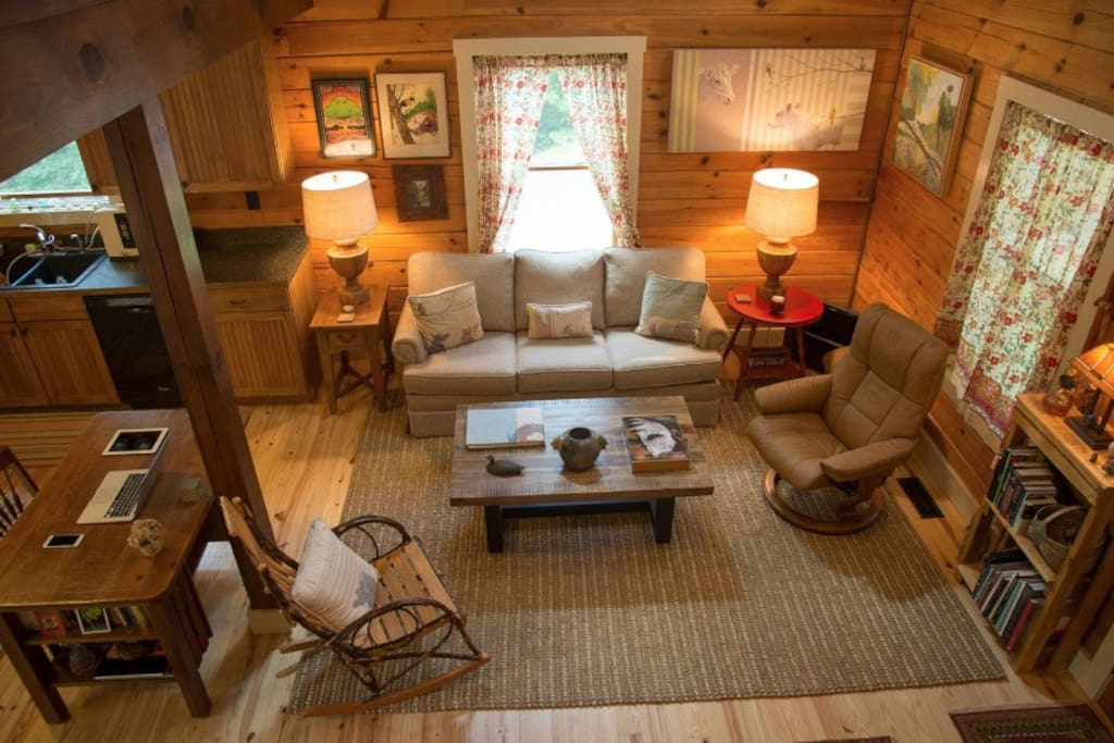 Firefly lodge log cabin in woodsy area near town houses for 8 bedroom cabins in north carolina