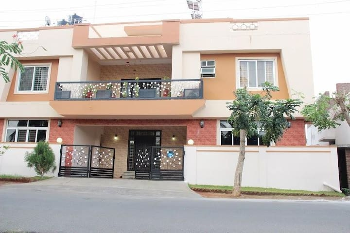 ComfortNest.. Heart of Coimbatore for 8 guests.. - Coimbatore - Chambre d'hôtes