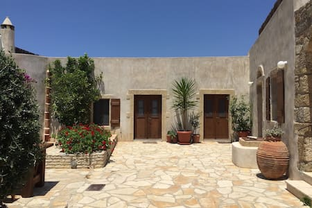 Peaceful hilltop house - Kythira