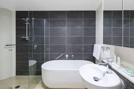 Big Master bedroom in Zetland close to CBD - Zetland - 公寓