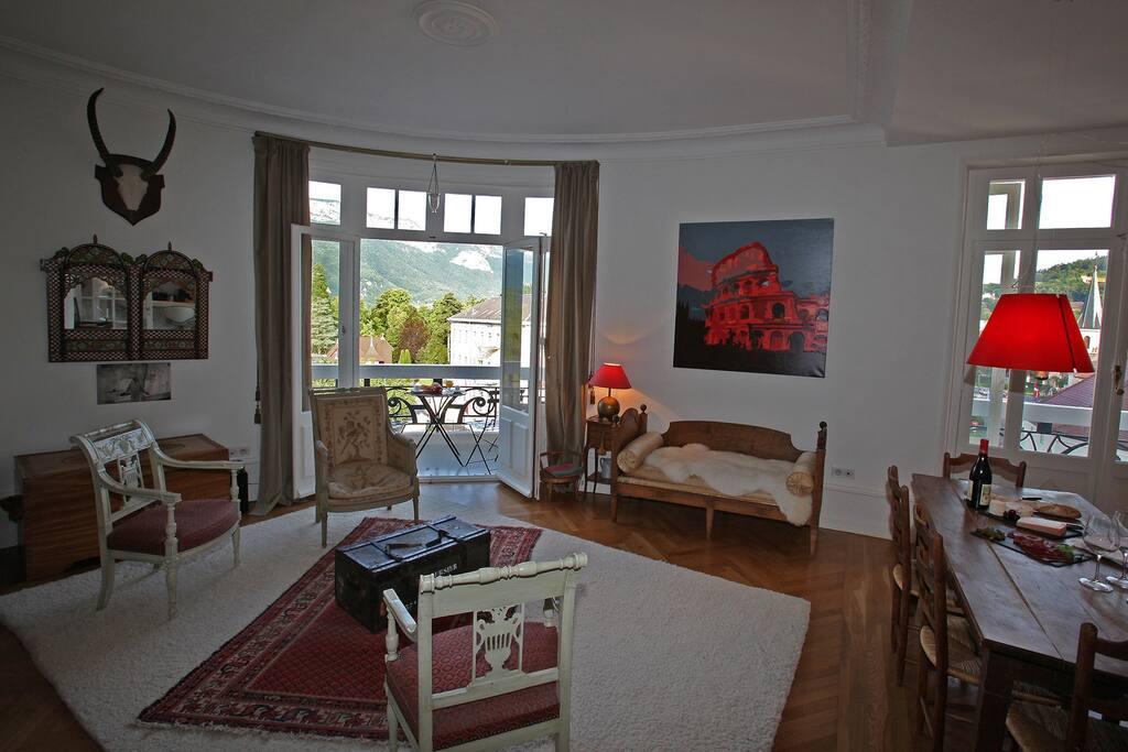 125m2 face au lac avec vue panoramique appartements louer annecy auvergne rh ne alpes france. Black Bedroom Furniture Sets. Home Design Ideas
