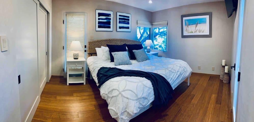 Splendid Master bedroom with modern, cozy  full bath on suite...