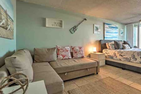 Oceanfront Ground Floor Condo on the Sand! G18