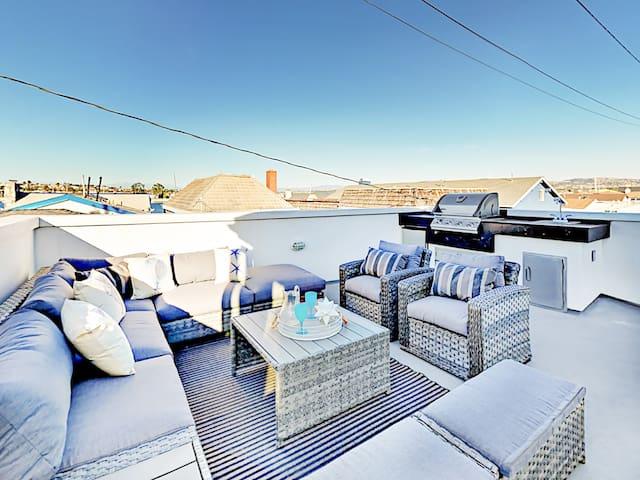 Balboa Peninsula 3BR/3BA w/ Bay-View Rooftop Deck