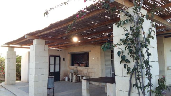 Villa Donata tra Avola e Noto a 100 metri dal mare