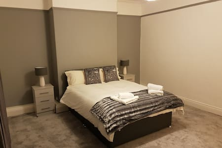 Birtley's  Amethyst Apartment sleeps 6 Guests