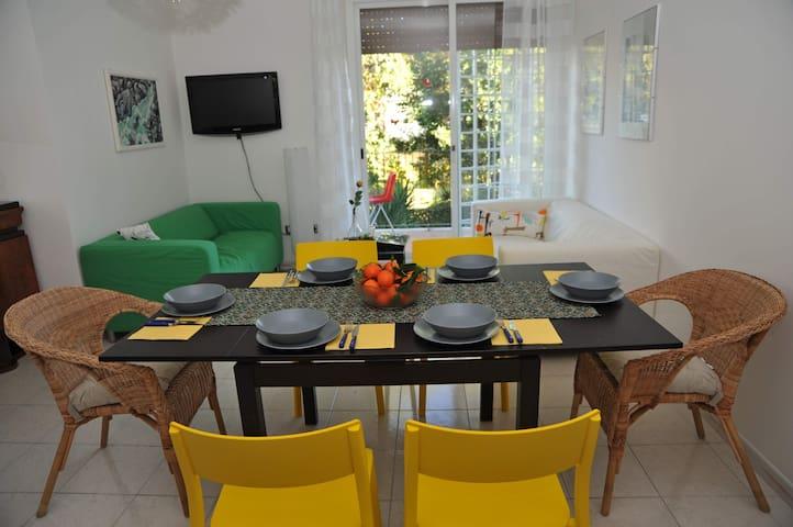 'Garden House in Rome' Casa Vacanza - Roma - Apartment