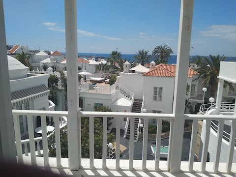 Bright one bedroom apartment in Playa Fanabe