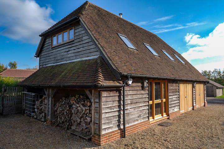The Den (Flints) Exton, Hampshire (Entire Barn)