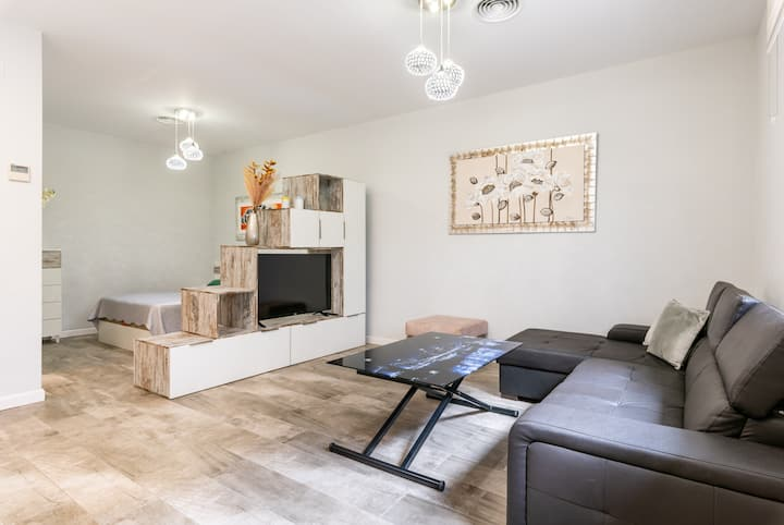 Studio Apartment Carihuela 5 on the Beach with Wi-Fi & Air Conditioning