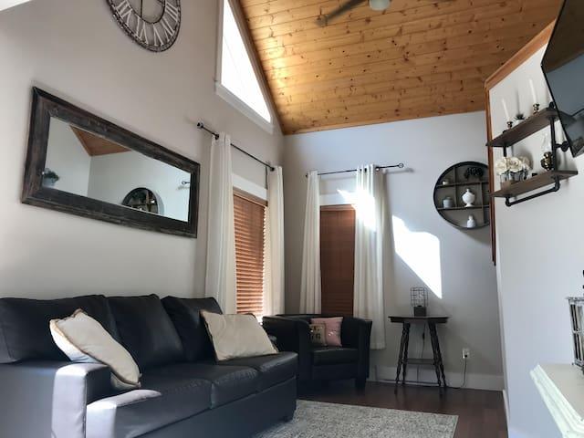 Home Sweet Lakehouse - Anglemont, BC. North Shuswap