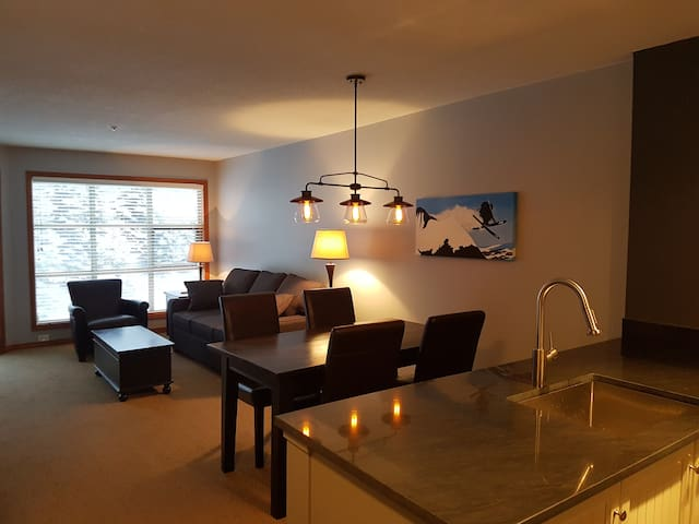 Modern Ski-in/out 1BR in the Aspens on Blackcomb
