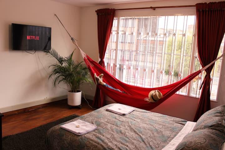 Spacious 2P room in strategic location/ Big House