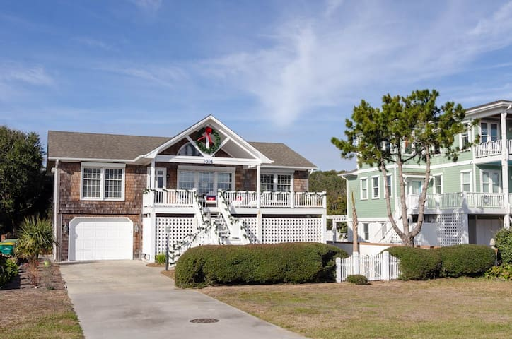 Kure Charm-Peaceful and Charming 2 bedroom apartment in Kure Beach