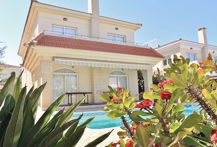 Tranquility 4 bedroom Villa Protaras - Paralimni - Villa