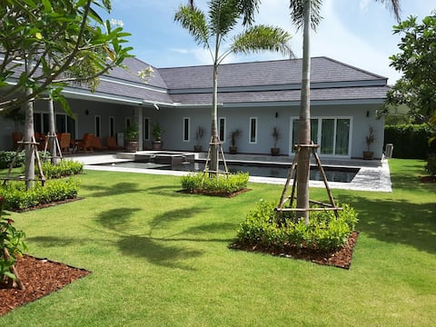 Luxury pool villa near Hua Hin