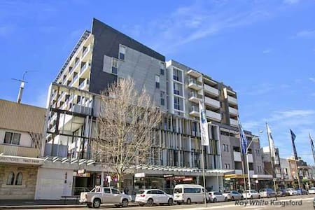 2 Rooms available near UNSW - Kingsford