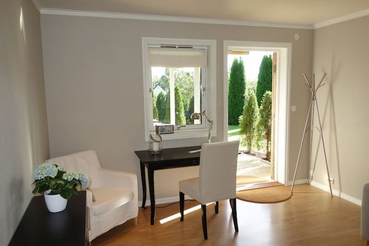 Modern, privat apartment - 16 min from Majorstua - Bærum - Byt