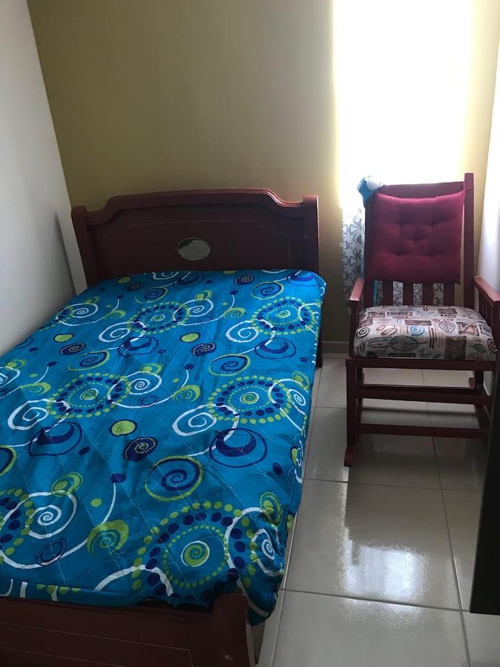 Linda habitación cerca a consotá y ukumari