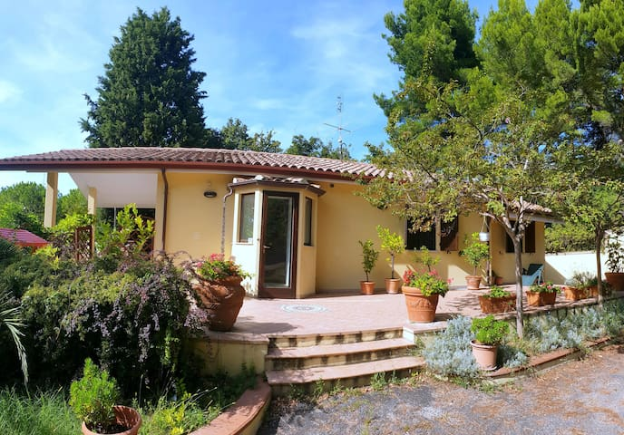 Villa Anna (Pesaro, Marche)