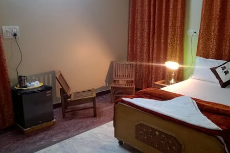 Single Bed in 4 bed dormitory - อักรา - ที่พักพร้อมอาหารเช้า