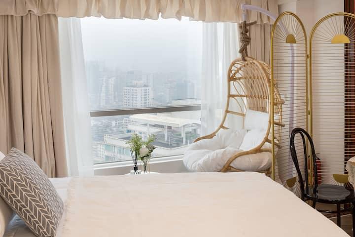 每日消毒 放心入住【Chur·丘吉尔】 法式弧形超大落地玻璃窗观城景 北京路海珠广场双地铁 绝佳拍照