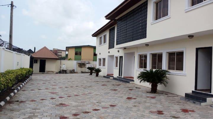 JarmaK Villa (Suite B)
