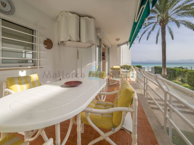M4R Front line apartment in Alcudia Bay