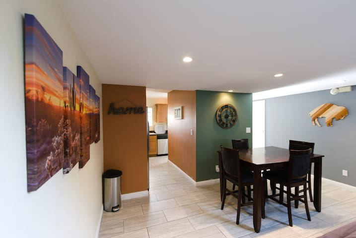 Comfy Scottsdale Condo--Perfect Old Town location