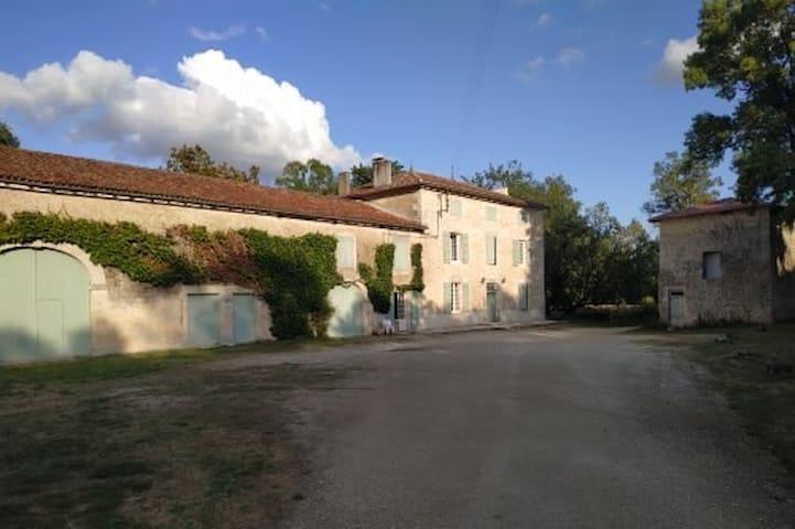 Grande Maison de famille au bord des Charentes