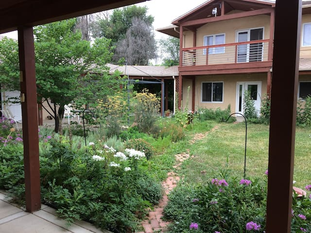 Warm & wonderful on 4 acres near old town - Houses for Rent in ...